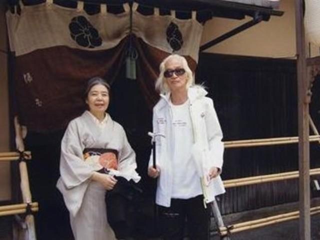 生前分居43年內田裕也與妻子樹木希林同葬