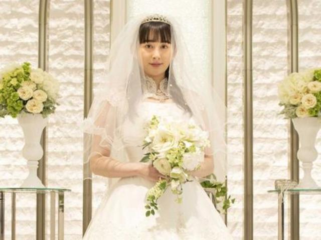 早見明里《愛吃拉麵的小泉同學SP》穿婚紗出場
