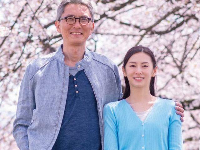 松重豐出道34年首次主演電影 與北川景子飾夫妻